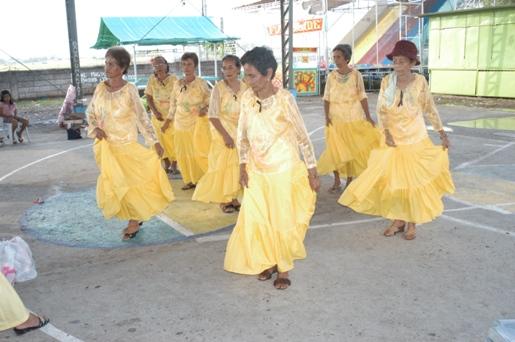 110306 マパニケノマラヤロラズ 歓迎のダンス.JPG