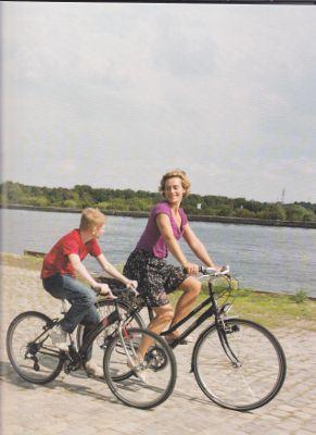 120614 [少年と自転車」02 (291x400).jpg
