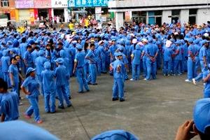 140701 アルプス片岡会長 中国侵略否定発言で、中国労働者が抗議.jpg
