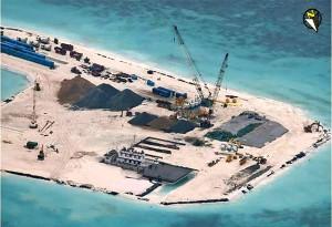 Chigua環礁の埋め立てConstruction on Chigua Reef..jpg